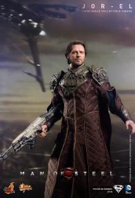 Hot Toys Man of Steel Jor-El with gun
