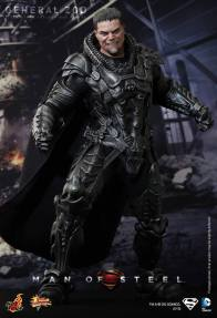 Hot Toys Man of Steel General Zod with cape