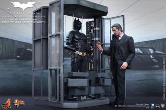 Hot Toys The Dark Knight Batman Armory - Bruce Wayne opening it up
