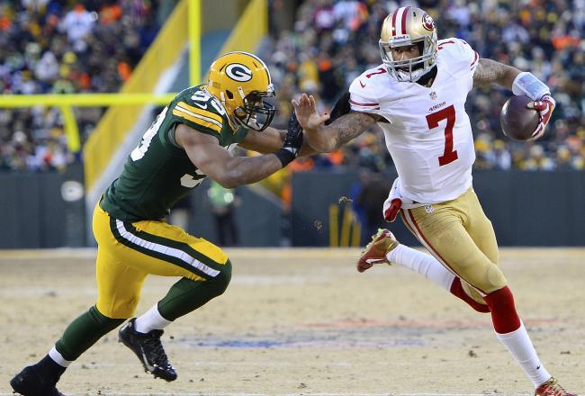 49ers vs Packers - Colin Kaepernick avoiding rush