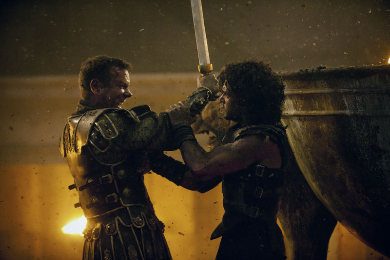 pompeii-keifer-sutherland-and-kit-harrington