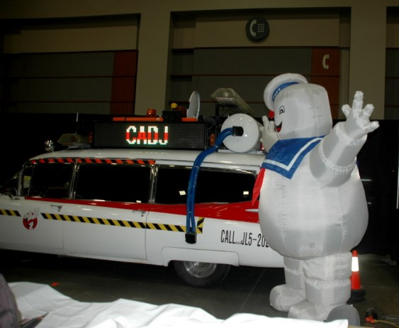 Awesome Con 2014 - Ecto-1 and Stay Puff
