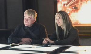 The Hunger Games Mockingjay Part1 - Philip Seymour Hoffman and Julianne Moore