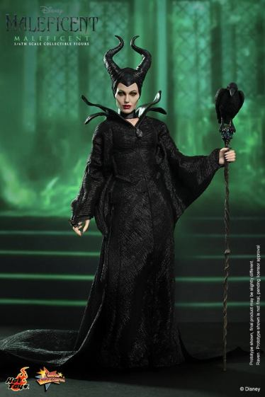 Hot Toys Maleficent vertical with staff
