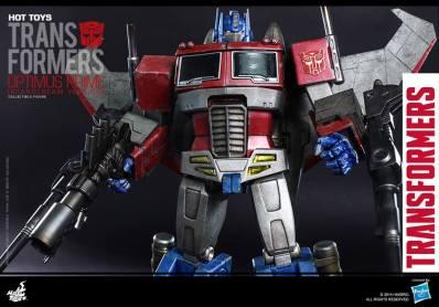 Hot Toys Gen 1 Optimus Prime - Starscream variant - wings out