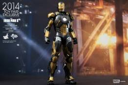Hot Toys Iron Man Mark XX Python Armor -at factory