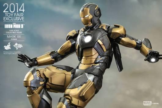 Hot Toys Iron Man Mark XX Python Armor -flying