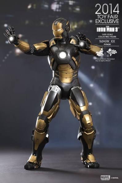 Hot Toys Iron Man Mark XX Python Armor - lit up aiming