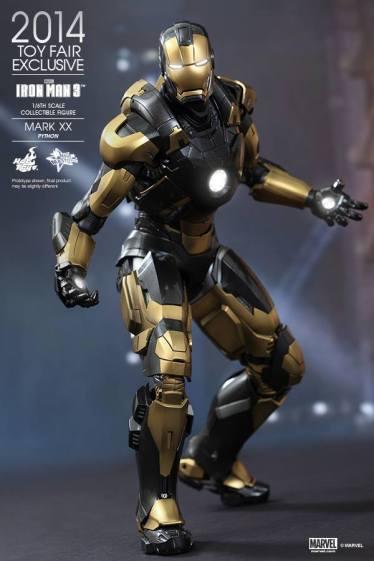 Hot Toys Iron Man Mark XX Python Armor - lit up