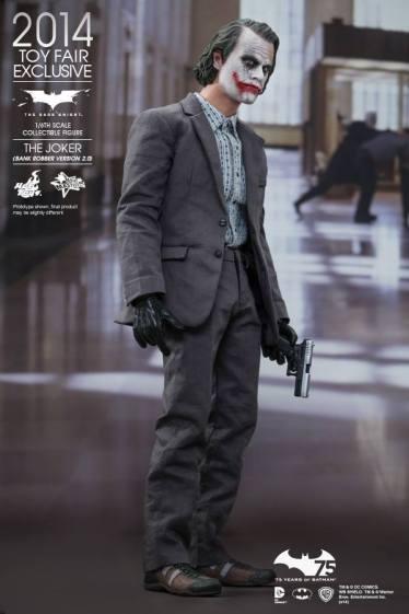 Hot Toys Joker exclusive holding gun