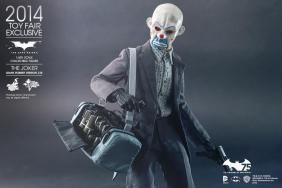 Hot Toys Joker exclusive with mask on