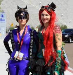 SDCC2014 cosplay - Catwoman and Poison Ivy
