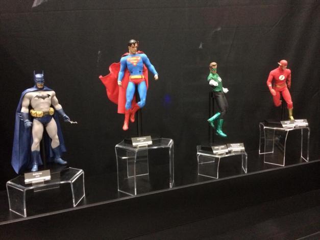 SDCC2014 Sideshow display - 12 DC heroes Batman, Superman, Green Lantern and Flash