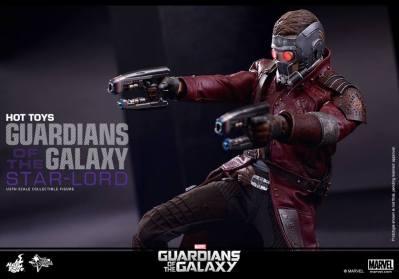 Hot Toys Guardians of the Galaxy - Star Lord aiming guns horizontal