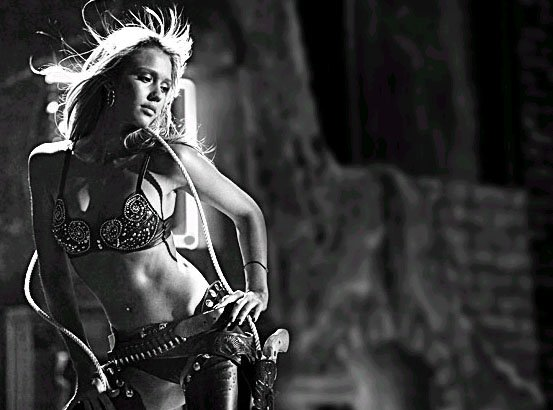 sin city 2005 - jessica alba as nancy