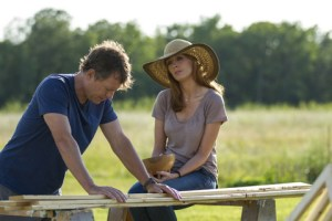 """Allen Fraser/TriStar Pictures Greg Kinnear and Kelly Reilly in """"Heaven Is for Real."""""""