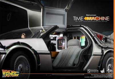 Hot Toys Back to the Future DeLorean side open