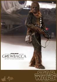 Hot Toys Star Wars Chewbacca - looking back