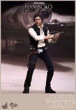 Hot Toys Star Wars Han Solo - holding gun