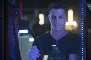 Arrow ep.3 - Corto Maltese - Roy with his quiver