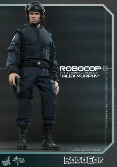 Hot Toys Robocop and Alex Murphy set - Murphy armed