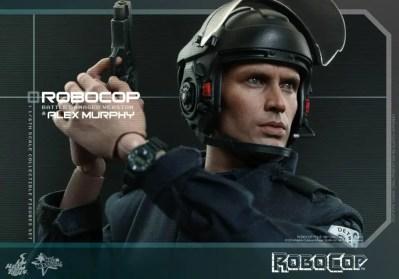 Hot Toys Robocop and Alex Murphy set - Murphy with gun and helmet