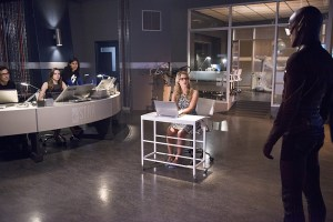 The Flash  - Going Rogue - Team STAR, Felicity and The Flash