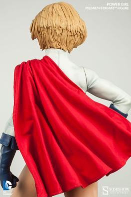 Sideshow Collectibles Power Girl - rear tight