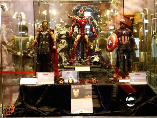 Hot Toys Avengers Age of Ultron - Thor, Iron Man and Captain America