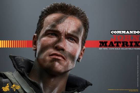 Hot Toys Commando - John Matrix figure - looking up