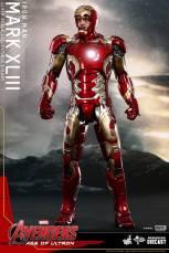 Hot Toys Iron Man Mark XLIII figure - faceplate up