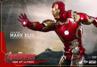 Hot Toys Iron Man Mark XLIII figure - repuslor aim