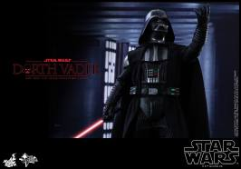 Hot Toys Star Wars Darth Vader figure - arm up