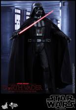 Hot Toys Star Wars Darth Vader figure - arms wide2