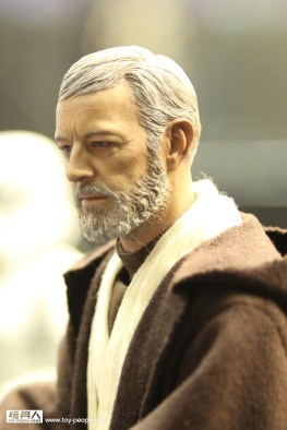 Hot-Toys-Star-Wars- Obi-Wan Kenobi side