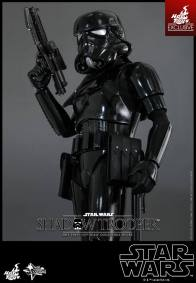 Hot Toys Star Wars Shadowtrooper - close up