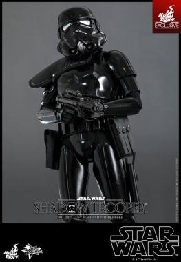 Hot Toys Star Wars Shadowtrooper -closer