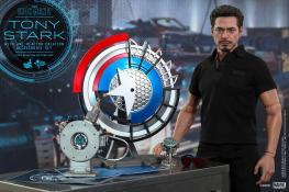 Hot Toys Tony Stark Iron Man 2 figure - full display