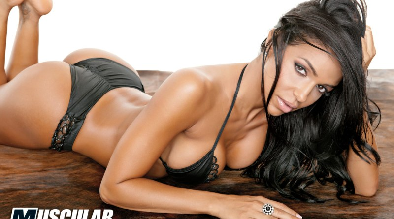 vida-guerra black bra and panties