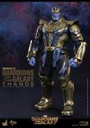 Hot Toys Thanos - standing