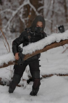 Hot Toys The Winter Soldier - resting on branch