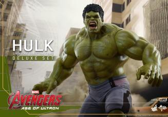 Hot Toys Hulk - Age of Ultron - wide shot