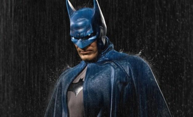 Batman Sideshow Collectibles 12 inch figure - rain covered
