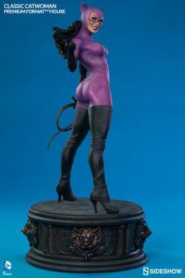 Catwoman premium format figure Sideshow - rear shot