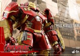 Hot Toys Avengers Age of Ultron - Hulkbuster Iron Man - close profile shot