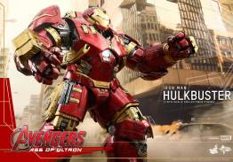 Hot Toys Avengers Age of Ultron - Hulkbuster Iron Man - close up