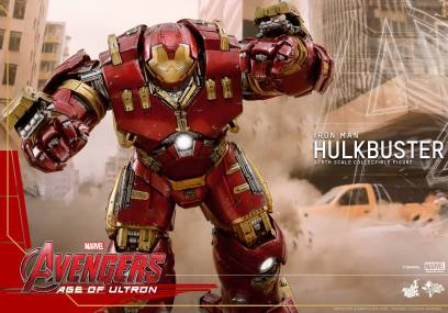 Hot Toys Avengers Age of Ultron - Hulkbuster Iron Man - coming at you