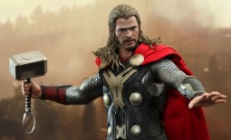 Hot Toys Thor The Dark World - Thor