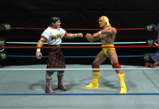 Hulk Hogan Defining Moments figure - facing off with Piper