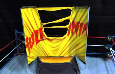 Hulk Hogan Defining Moments figure - inner package